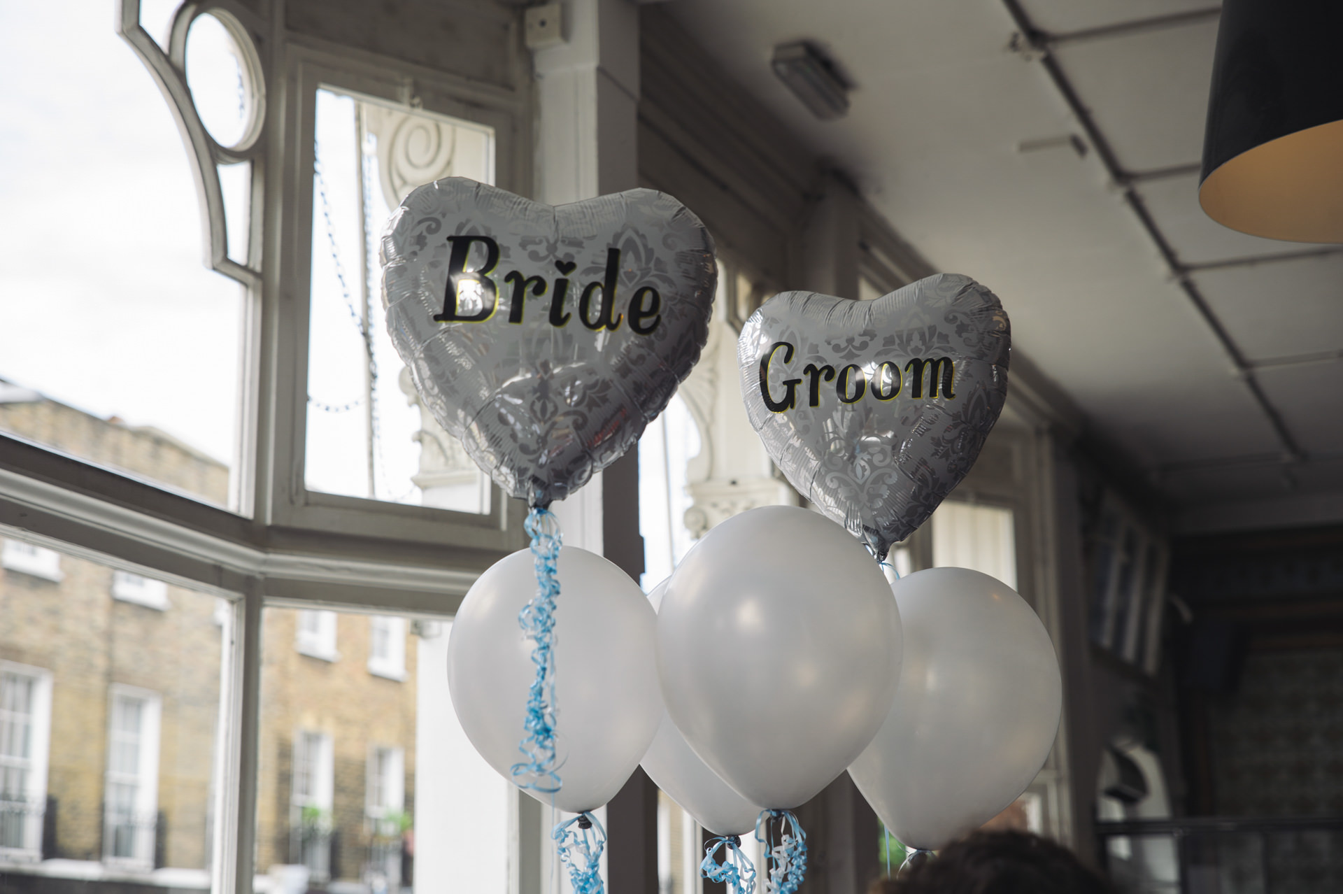 the gate insligton london wedding balloons heart shaped