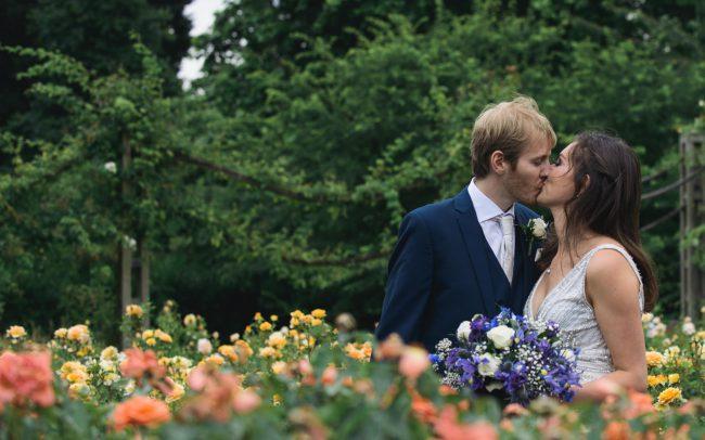 regents park london wedding couple photo