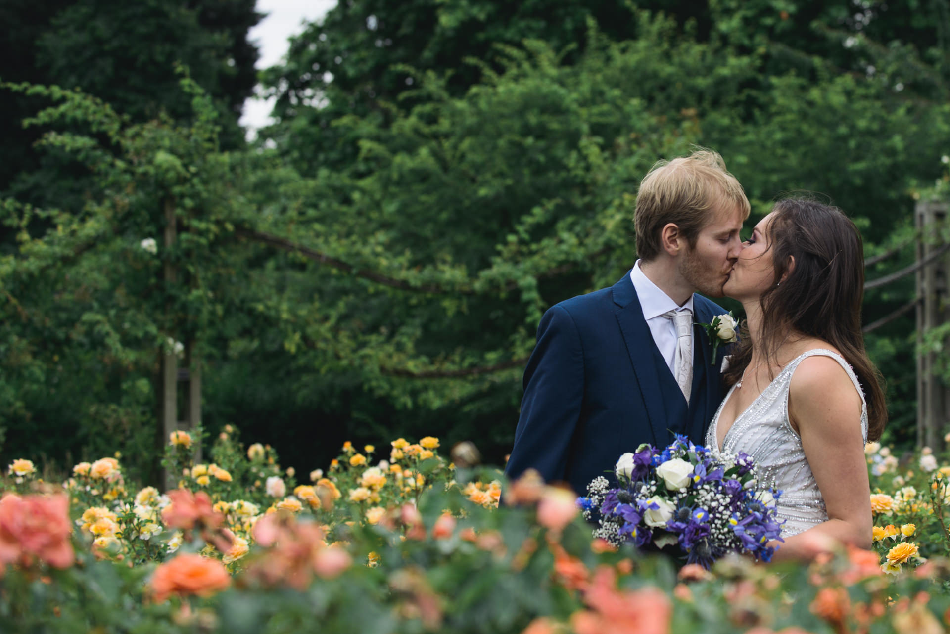 regents park london wedding couple photo